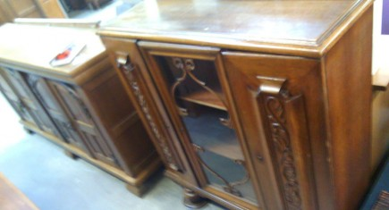 Старинен шкаф