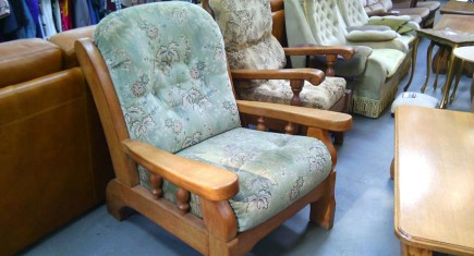 Кресло с масивна дъбова конструкция