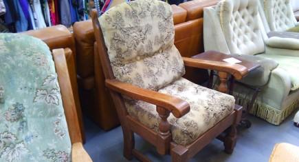 Кресло с дъбова конструкция