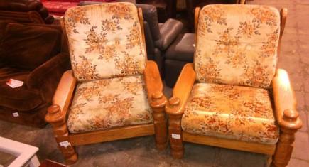 Кресла с дървена конструкция - 2бр.