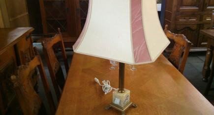 Наст.лампа с метално-ониксова основа